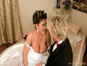 Su primer polvo como recién casados