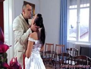 Sin saberlo se casó con un hombre muy dominante