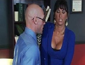Casada infiel se siente atraída sexualmente por su jefe