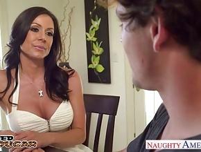 La potente Kendra Lust estrena al nuevo novio de su hijita