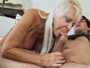 Recopilación de abuelas y viejas viciosas haciendo mamadas