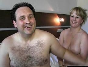 Matrimonio español en paro se pasa al porno para tener ingresos