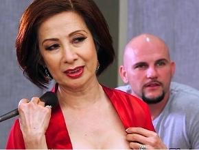 Puta de lujo satisface sexualmente a uno de sus mejores clientes