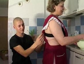Follar con su hijastro es lo más parecido a hacerlo con su esposo