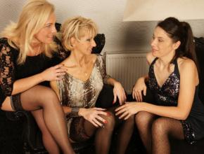 Trío de lesbianas con tres cuarentonas muy viciosas