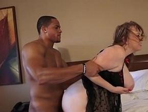 Disfruta de una noche de sexo en un hotel con un profesional