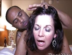 Toda una noche de sexo intenso y pasional con un mulato