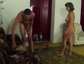 Española infiel disfruta del sexo con su vecino
