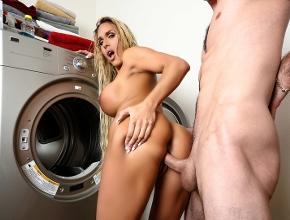 Coincide con uno de sus vecinos en el cuarto de la lavadora