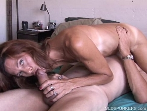 Tiene tanta experiencia que es una diosa del sexo oral
