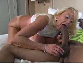 madura y joven best porn video