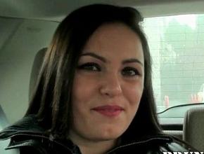Natalia le pone los cuernos a su marido para cumplir un sueño